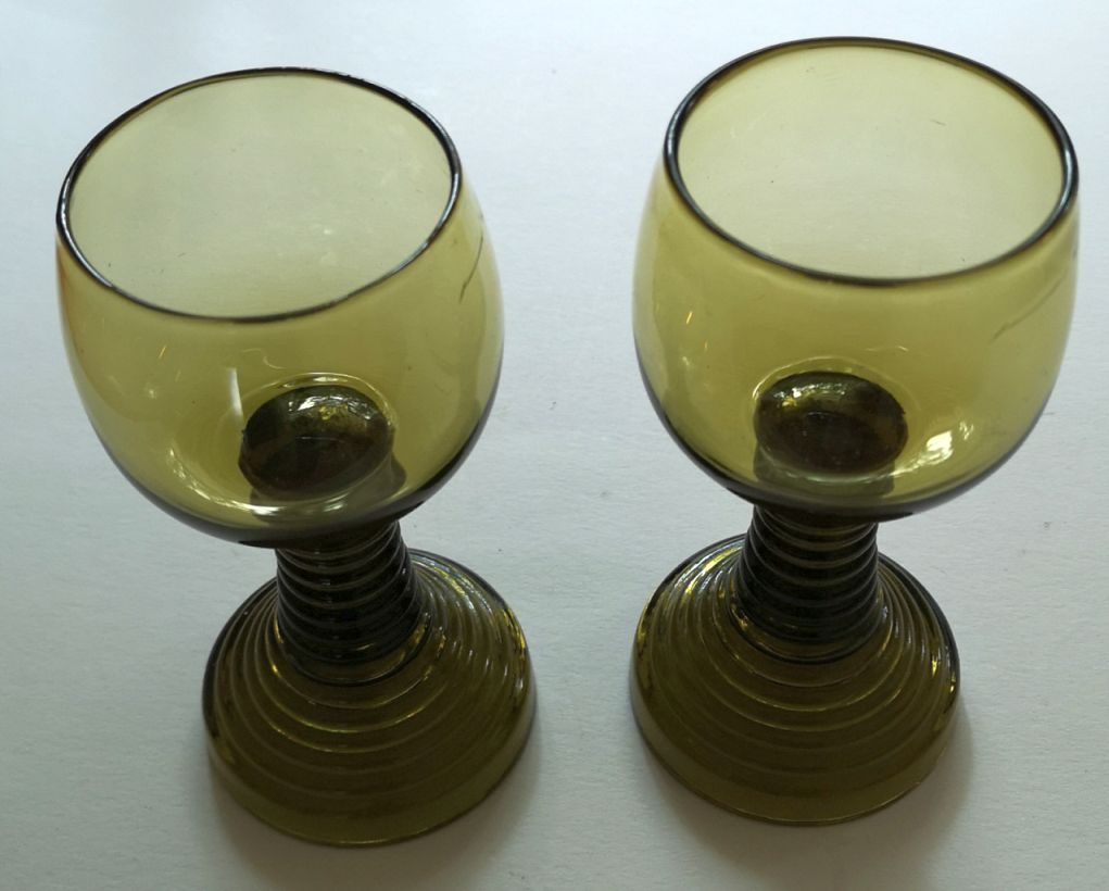 Røhmer glass